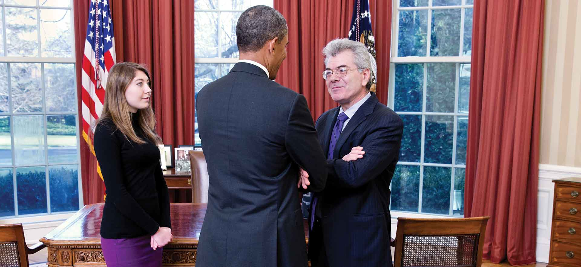 Gary Samore talks with President Obama in the Oval office