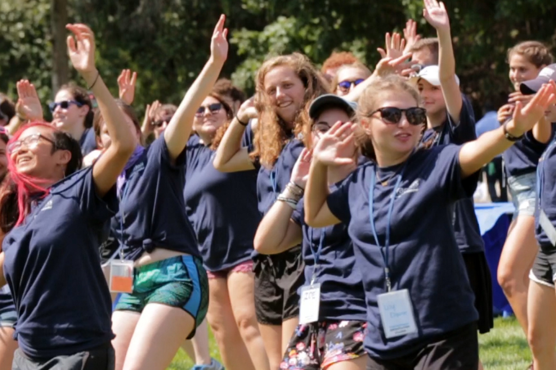 OLs dancing during Orientation
