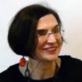 Head shot of Pamela Allara